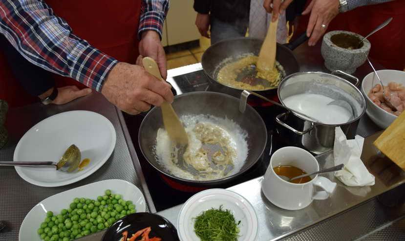 Curry Kochen - PAYAS Gruppe